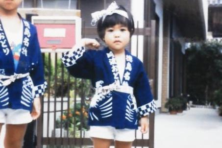 子供の頃、阿波踊りのはっぴを着て。
