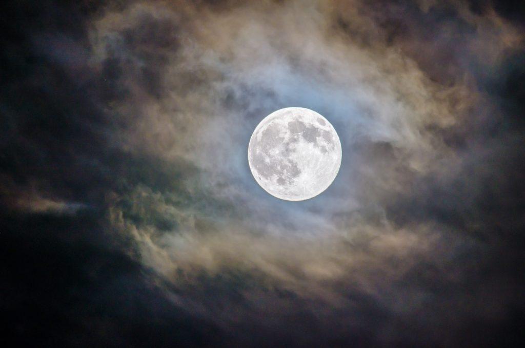 満月(イメージ画像)